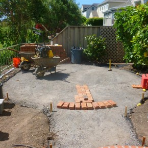 Petaluma project- round brick patio layout